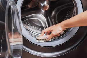 تمیز کردن لوازم برقی خانه