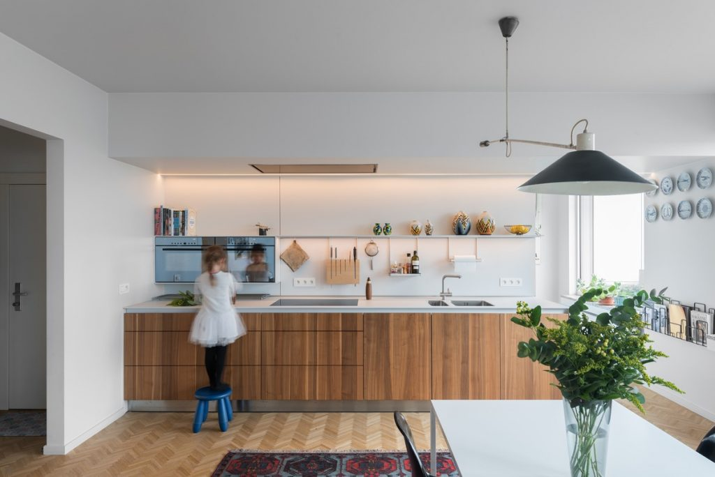دکوراسیون آشپزخانه خطی بدون اپن