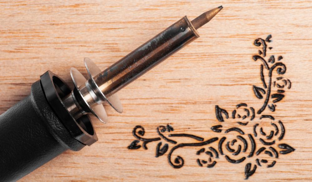 ابزار و روش های مختلف سوخته نگاری چوب