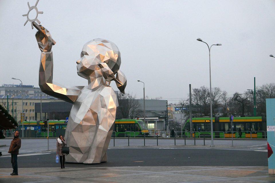 مجسمه بزرگ