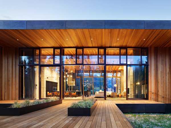 چوب مناسب فضای باز سدر