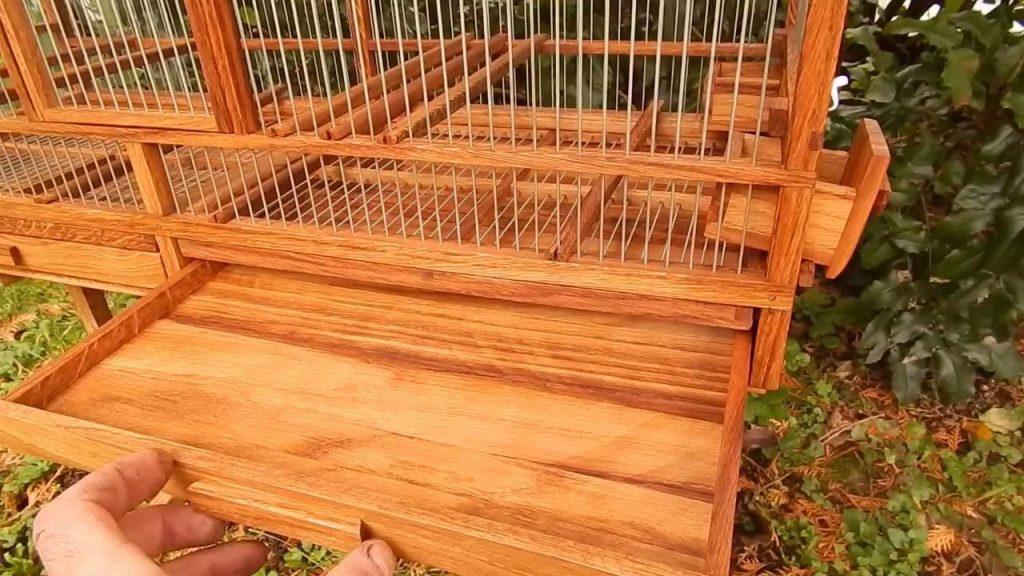 قفس چوبی