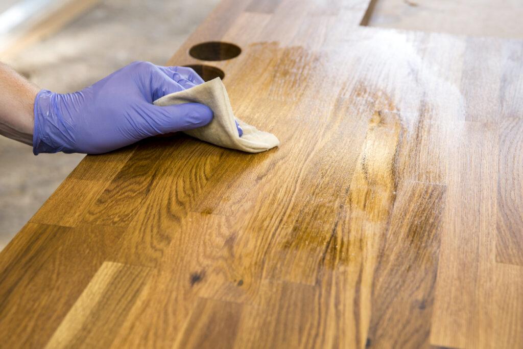روغن گیاهی مخصوص چوب